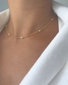 Minimal chic Necklace Without any doubt, it is extremely stressful with regard to performing ladies Pearl Choker Necklace, White Pearl Necklace, Dainty Necklace, Dainty Jewelry, Cute Jewelry, Bridal Jewelry, Bridal Earrings, Jewelry Gifts, Jewelery