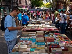 Feria de Tristan Narvaja en Montevideo (2)