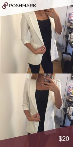 ⚡️FLASH SALE⚡️White Fitted Blazer Padded shoulder design. Center slit in back. There was one button on the front that fell off, but I always wear this open anyway. A new button can easily be sewn on. Jackets & Coats Blazers