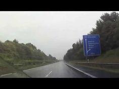 Videofilm - Deutschland geht im Regen unter Autobahnen und Bundesstraßen Deutschlands footage