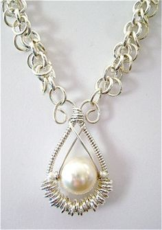 Free tutorial wire wrapped and chain maille solo-cream- pearl-pendant