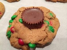 Peanut Butter Cup Cookies, quick and easy cookies recipes, cookie recipes kids can make, #peanutbuttercupcookies, m&m baking bits, Reese's peanut butter cups, @kaydeeveehome