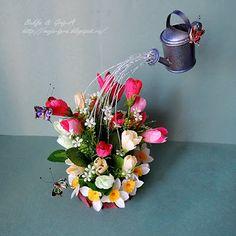 Все мы мечтаем вырастить счастье   Страна Мастеров Teapot Crafts, Cup Crafts, Diy And Crafts, Topiary Centerpieces, Floral Centerpieces, Floral Arrangements, Floating Tea Cup, Floating Flowers, Ikebana