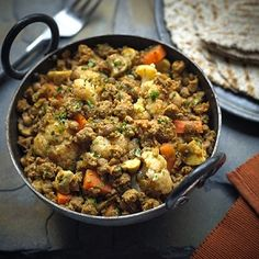 Try our delicious recipe for a healthier mince curry, with Quorn Meat Free Mince, onion, mushrooms, lentils, cauliflower, and a tasty curry spice blend.