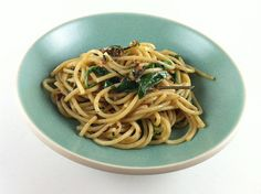 Spaghetti with Anchovies and Arugula