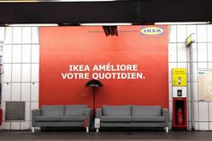 IKEA street/ambient marketing    via  Facebook : La Pubothèque  Twitter : @ValentinHochet