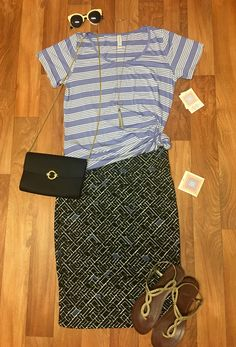 Super cute #patternmixing outfit for sale in my VIP! https://www.facebook.com/groups/lularoejilldomme/