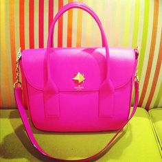 how perfect is this kate spade satchel? hot pink is definitely my color of the moment... #clutch #purse #handbag