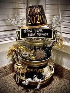 New Year Farmhouse Tower Holiday Party Themes, Party Ideas, Happy New Year Photo, New Years Eve Decorations, Seasonal Decor, Holiday Decor, Tray Styling, New Year's Eve Celebrations, Tier Tray