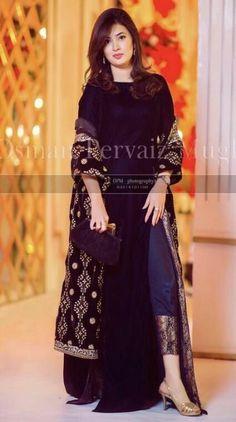 Wedding dresses pakistani sisters groom outfit for 2019 Velvet Pakistani Dress, Pakistani Formal Dresses, Pakistani Dress Design, Indian Dresses, Indian Outfits, Kurta Designs, Kurti Designs Party Wear, Pakistani Fashion Party Wear, Pakistani Wedding Outfits