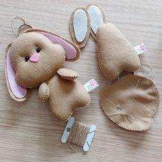 1 million+ Stunning Free Images to Use Anywhere Felt Diy, Felt Crafts, Easter Crafts, Felt Patterns, Stuffed Toys Patterns, Felt Keychain, Creation Couture, Sewing Toys, Felt Dolls