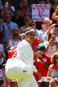 Tips to Avoid Tennis Elbow Tennis Gear, Tennis Tips, Sport Tennis, Roger Federer, Uniqlo Outfit, Federer Wimbledon, Nike Tenis, Rafa Nadal, Mr Perfect