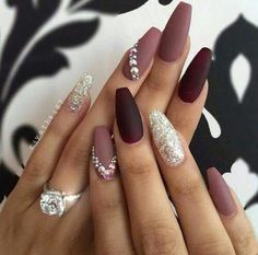 Rhinestone Nail Art Ideas Here are nails done in various shades of purple. A special seal leaves the glitter gel on one nail of both hands.Here are nails done in various shades of purple. A special seal leaves the glitter gel on one nail of both hands. Nail Art Rhinestones, Rhinestone Nails, Rhinestone Nail Designs, Diamond Nail Designs, Nail Bling, Silver Nail Art, Swarovski Nails, Crystal Nails, Cute Nail Designs