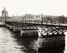 Classic Paris... Over the River in black and white.