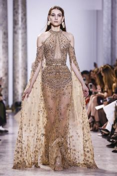 Elie Saab SS17 Elie Saab Couture, Fashion Week, Runway Fashion, Fashion Show, Fashion Spring, Trendy Fashion, High End Fashion, Paris Fashion, Live Fashion