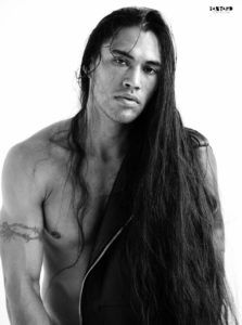 The Wonderful Martin Sensmeier, Native American Actor and Model. What a beautiful man :o I want to brush and braid and run my fingers through her (i meant him it was a typo) glorious head of hair . Native American Hair, Native American Models, American Indians, Martin Sensmeier, Raining Men, Attractive Men, Charlize Theron, Gorgeous Men, Beautiful People