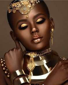 THE BEAUTY: Let's talk which is the PERFECT way to look radiant this season. artist Moshoodat leads the way by creating a - Beauty Make-Up African Makeup, African Beauty, African Women, Lipgloss, Black Gold Jewelry, Black Women Art, Black Girls, My Black Is Beautiful, Beautiful Goddess