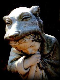 Statue of Little Red Riding Hood at William Black's grave, Baltimore, Maryland cemetery Cemetery Statues, Cemetery Headstones, Old Cemeteries, Cemetery Art, Graveyards, Michel De Montaigne, William Black, 3d Figures, Memento Mori