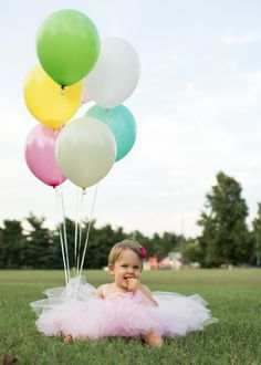 Tutu + balloons for first year birthday photo shoot. Inspired by http://pinterest.com/pin/181410691213160496/