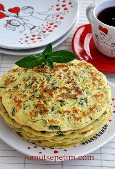 ✿ ❤ ♨ Ispanaklı  Krep  Böreği  Tarifi (Ispanaklı Krep hiç düşünmemiştim hatta bu birazda omletimsi krepimsi böreğimsi bir şey olmuş :) ve çok güzel farklı olmuş. Değişik bir krep alternatifi.