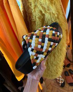 SIMON MILLER (@simonmillerusa) • Fotos y vídeos de Instagram Fashion Shoes, Instagram