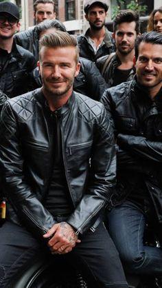 Whaaat? Black on black + black leather jacket? heck yeah!