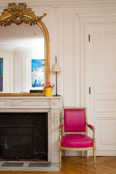parisan chic~via wakeupsmile Parisian Chic Decor, Paris Decor, Paris Apartments, Cool Apartments, Small Living Room Layout, Country Interior Design, Living Room Mirrors, Bedroom Layouts, Home Decor Inspiration