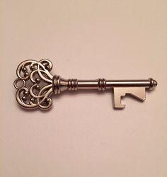 25 Vintage Key Bottle Openers (incl. tag) - Antique Key Beer Openers - Skeleton Key Bottle Openers - Wedding Favor on Etsy, $62.50