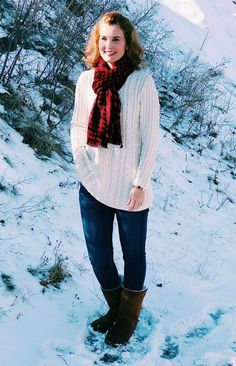 Christmas outfit idea: Ivory chenille sweater, buffalo plaid scarf, jeans and boots. Holiday Fashion, Holiday Outfits, Autumn Winter Fashion, Winter Outfits, Buffalo Plaid Scarf, Clothes Encounters, New Years Outfit, Snow Outfit, Thanksgiving Outfit