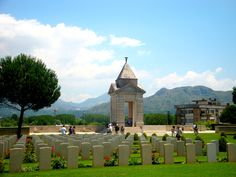June 2011 if only British war graves in England were looked after so well a sad and tranquil spot for fallen heroes Italy Vacation, Italy Travel, Italy Trip, Battle Of Monte Cassino, Tivoli Italy, Italian Campaign, Lest We Forget, Holiday Destinations, Places Ive Been