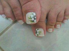 Cute Toe Nails, Sassy Nails, Toe Nail Art, Pretty Nails, Linda Nails, White Toenails, Feet Nails, Flower Nail Art, Toe Nail Designs