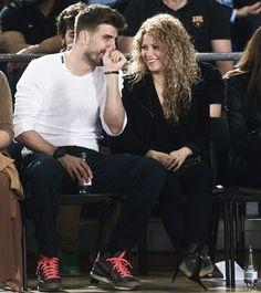 LAS CADERAS TABASCO: Fotos: Shakira y Gerard en el Palau Blaugrana, Bar...