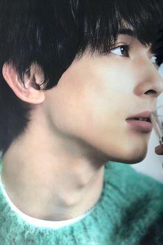 Ryo Yoshizawa, Okikagu, Asian Celebrities, Japanese Men, Nihon, Pretty Boys, Character Inspiration, Asian Beauty, Poses