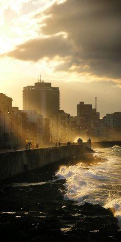 El Malecon. Habana, Cuba.