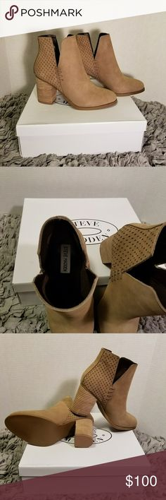 """Steve Madden, NWB Leather Boots Must have booties! These Steve Madden NWB boots have a real leather upper, rounded toes, deep side cuts with 3.25"""" stacked block heel. Steve Madden Shoes Heeled Boots"""