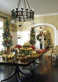 A beautiful table laden with holiday foods, decorated with the Christmas spirit in mind always sets the tone for a beautiful and elegant holiday season. Christmas Table Settings, Christmas Tablescapes, Christmas Decorations, Holiday Decor, Holiday Tablescape, Table Decorations, Noel Christmas, Merry Little Christmas, All Things Christmas