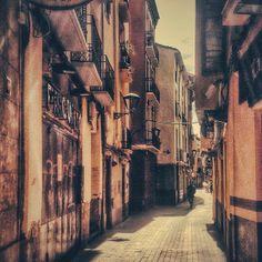 La soledad de las calles entre semana. #zaragozadestino http://instagram.com/unaimensuro#