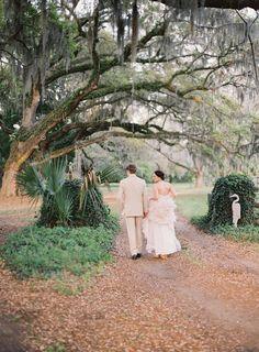 Photography: Stefanie Kapra Photography - www.stefaniekapraphoto.com  Read More: http://www.stylemepretty.com/2014/06/11/charming-plantation-wedding-inspiration-shoot/