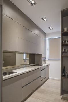 Apartment Design in Bucharest Enriched With Feminine Accents Bright Apartment Design in Bucharest Enriched With Feminine AccentsBright Apartment Design in Bucharest Enriched With Feminine Accents Kitchen Room Design, Kitchen Cabinet Design, Modern Kitchen Design, Interior Design Living Room, Kitchen Decor, Kitchen Storage, Kitchen Ideas, Small Apartment Interior, Bright Apartment