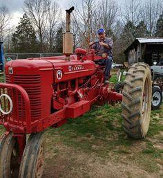 FARMALL Super M Antique Tractors, Vintage Tractors, Farmall Super M, Farmall Tractors, Red Tractor, Old Farm Equipment, Case Ih, International Harvester, Farming
