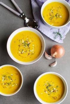 Zupa krem z młodej marchewki z tymiankiem i jabłkiem