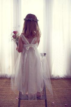 Flower girls dress #vintagewedding