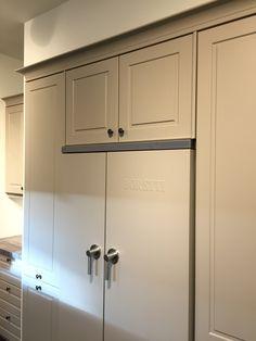 Boretti dubbel deurs koel vriescombinatie in zelfde kleur gespoten als front van keuken