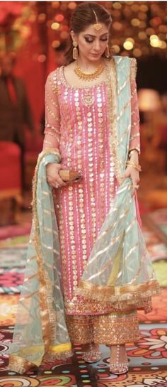 Discover recipes, home ideas, style inspiration and other ideas to try. Fancy Dress Design, Stylish Dress Designs, Designs For Dresses, Stylish Dresses, Fashion Dresses, Pakistani Fashion Party Wear, Pakistani Wedding Outfits, Indian Bridal Fashion, Bridal Outfits