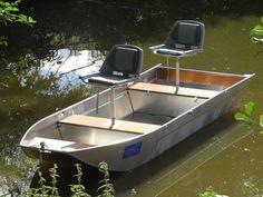 Barque de pêche légère