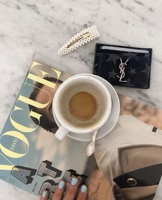 Image discovered by h a n n a h. Find images and videos about aesthetic, nails and coffee on We Heart It - the app to get lost in what you love. Classy Aesthetic, Beige Aesthetic, Instagram Cool, Coffee Photography, Coffee And Books, But First Coffee, Coffee Break, Bunn Coffee, Latte