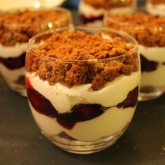 Discover recipes, home ideas, style inspiration and other ideas to try. Bbq Desserts, Mousse Dessert, Good Food, Yummy Food, Desert Recipes, High Tea, Tray Bakes, Tapas, Breakfast Recipes