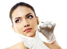 Cuando tu piel muestre estragos a causa del cansancio, estrés, o simplemente el paso de los años, es momento de considerar un tratamiento de Mesoterapia Facial para revitalizar y rehidratar tu piel.