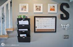 Hall de entrada - mail station + calendar / pin board Great idea for my desk area