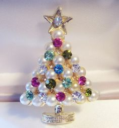 Vintage Pearl Crystal Christmas Tree Pin Brooch A Beauty